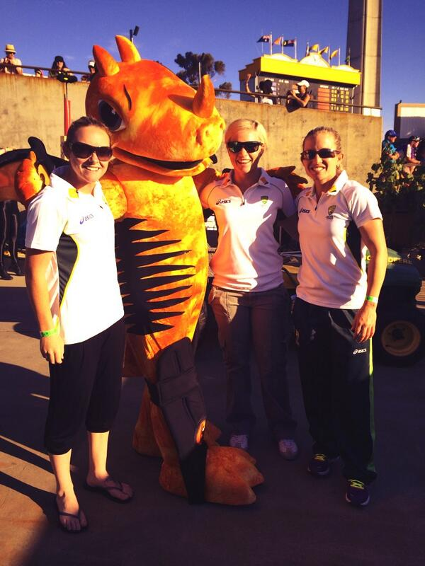 Captain @JodieMF19 @Jess_cameron27 & @sarahjanecoyte catching up with Blaze at the #Furnace #OrangeNation http://t.co/5Tg256jJkm