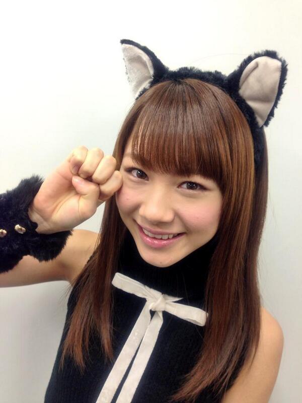 猫耳のついている石田亜佑美