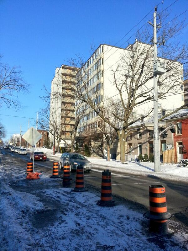 Queen Street reduced to one lane at Hunter - traffic flows smoothly (RTH file photo)