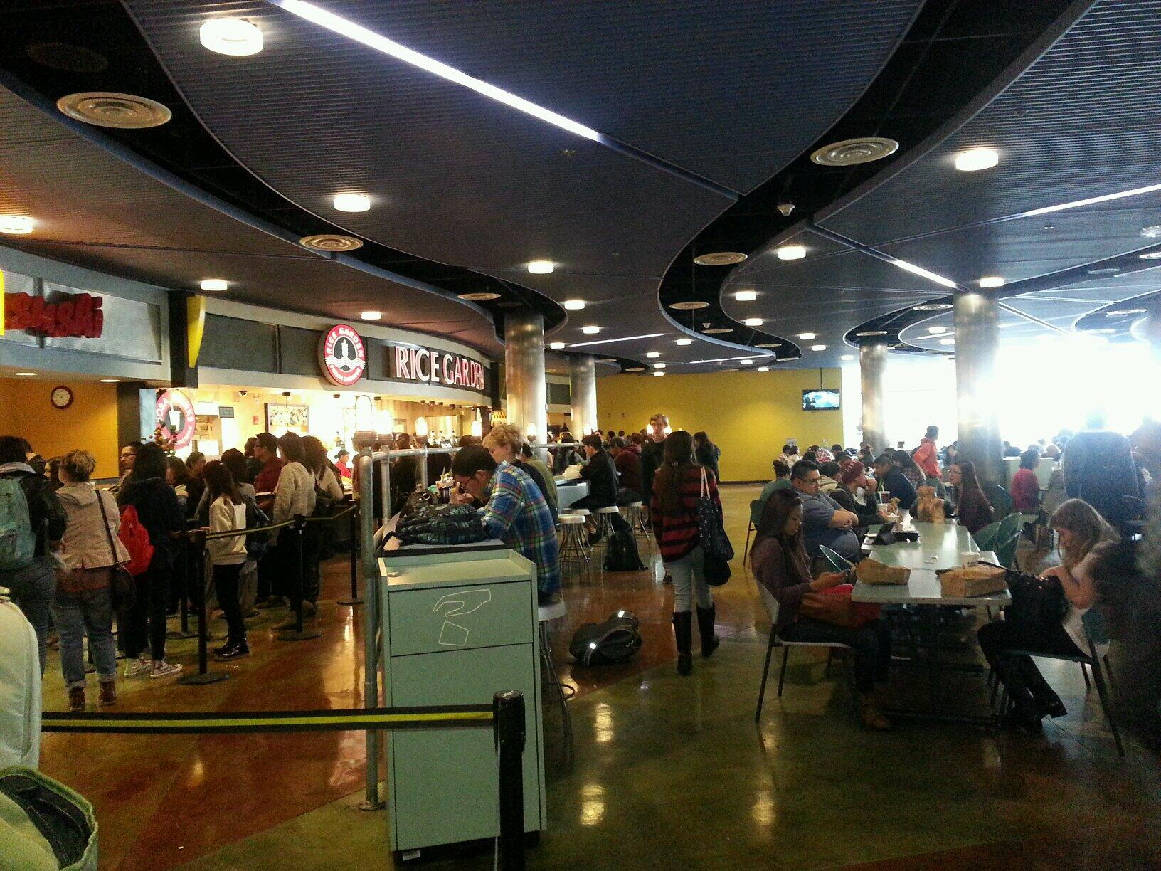 Cal State La On Twitter Csula Food Court Busy With Students Enjoying A Lunch Break Http T Co 5itxmhp9ob