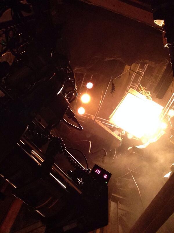 """6x11 """"UNDER FIRE"""" Post-ep Tweets & BTS pics  - Page 2 BdZq0-JCQAARfe5"""
