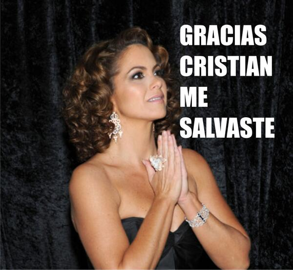 Segurisimo Cristian Castro le debía un favor a Lucero.... #neta http://t.co/6Ekt1LUdGm