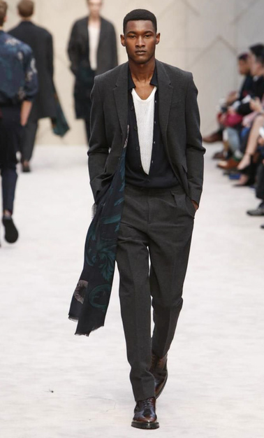 Jourdan Copeland - the first black male model to walk for @burberry! #lcm #aw14 #amck http://t.co/OtOoY3TGCM