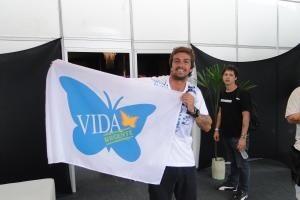 Valeu @ArmandinhoMesmo, nosso grande amigo da #vida! É muito bom contar contigo nesta caminhada em defesa da vida. http://t.co/bD5xkZA0HV