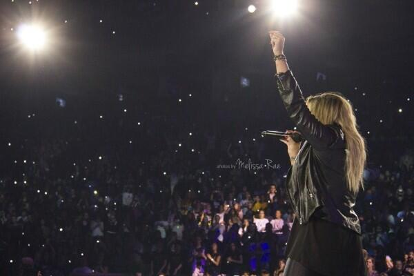 @ddlovato we're here for you <3 Lovatics #MusicFans #PeopIesChoice http://t.co/br4Nm27M0J