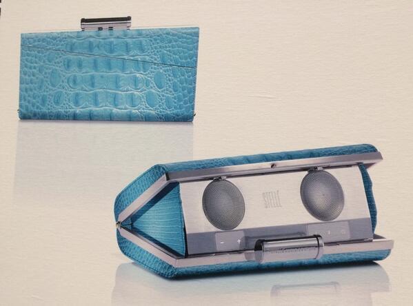 It's a clutch. It's a 2.0 speaker system. It's a party in a bag! #CEStelleAudio #CES2014 #wearabletech http://t.co/yaJk7fDPcB