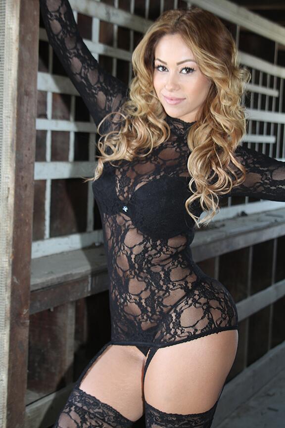 Shantel Tinajero  - contestant < pbms twitter @Shanteltinajero