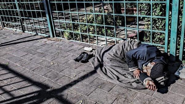 وفاة مواطن سوري كل 10 ساعات ونصف بسبب الجوع #العربية #سوريا http://t.co/nwnJFqJuxV http://t.co/0U3rBoSZAm