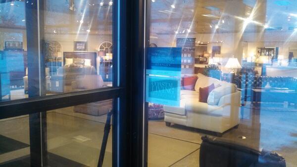 Tyner Furniture, Ann Arbor, MI @StanleyFurnpic.twitter.com/eamqLYGFOL