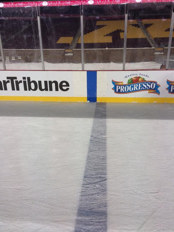 What's wrong with blueline at #TCFBankStadium #HockeyCityClassic? We're all a little off but can be fixed. http://t.co/NB4Ost7F7R