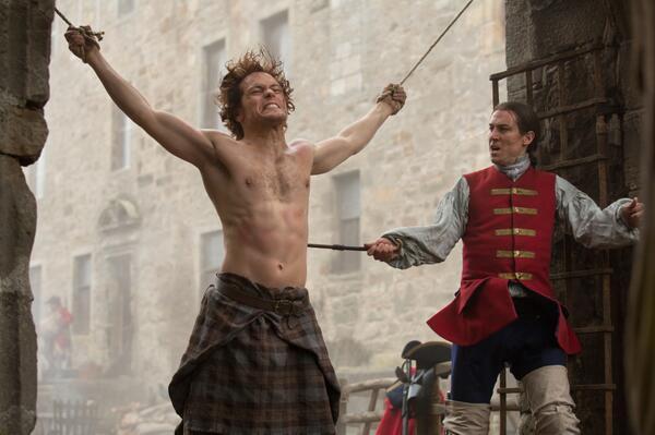 La série TV Outlander: une adaptation en cours (news, tournage, etc...) - Page 2 BdqHId8CUAAH4Eh