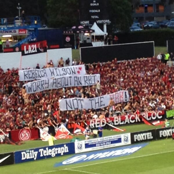 Well, that's not something you see every day #SydneyDerby #WSWvSYD http://t.co/L03rMHSguv