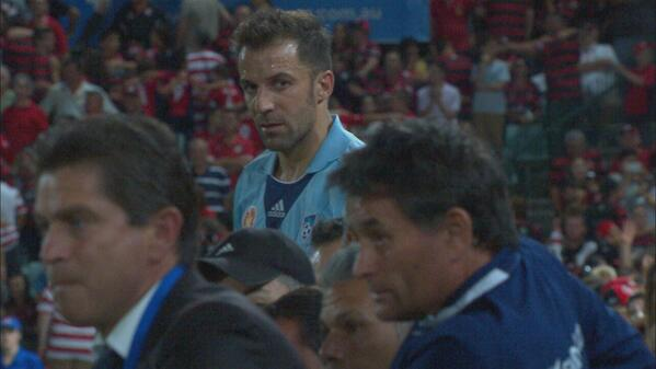 Alessandro Del Piero blanked teammate, stropped off in a huff when subbed in Sydney derby