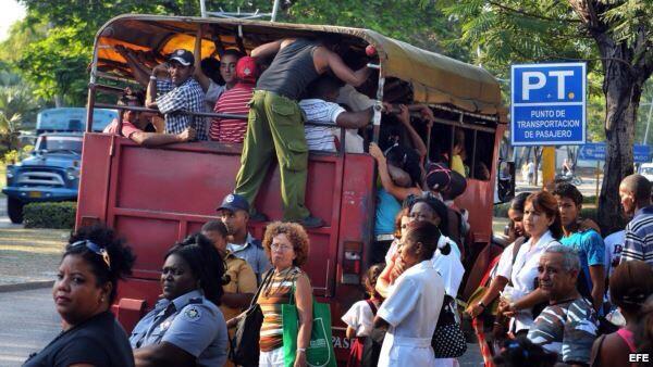 #Cuba 54 años después los Castro dicen q el comunismo es la única vía de desarrollo para el país #TransportePublico http://t.co/qXgFqOzBy7