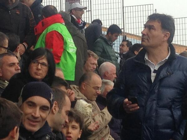 Manchester United manager David Moyes is spotted at Cagliari v Juventus
