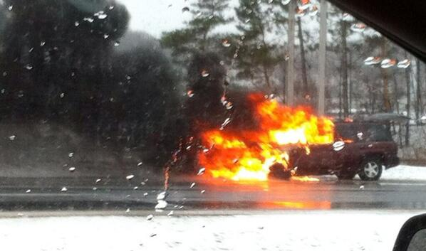 Cbc Ottawa On Twitter Suv On Fire On Rr Between Jeanne D Arc