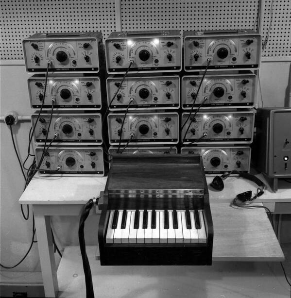 Be0E6ReCYAAPyDG - Maida Vale Studios