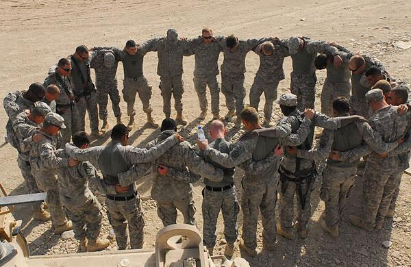 #youknowyoureamericanwhen you look at this photo & feel proud of the brave men & women who keep us safe. #ThankYou http://t.co/atWyR7JhJD