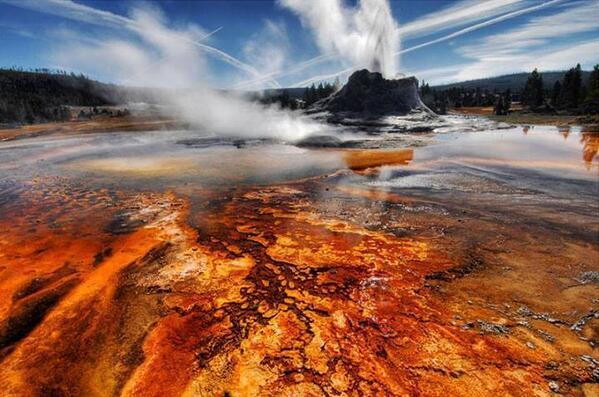 Chiuso il Parco di Yellowstone, Supervulcano a rischio eruzione?