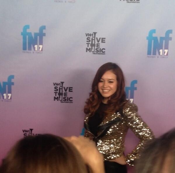 .@ThisIsGuinevere working the red carpet at #TheGrammys #FriendsNFamily event last night #Hollywood http://t.co/2xf9DiYHew
