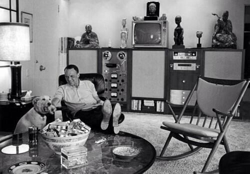 @feraldata this is Sinatra's home entertainment system http://t.co/YpY4q2nRf2