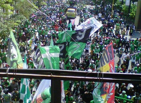 3. Global Football Protests In The Last 24 Hours: Indonesia  MT @bicarabola: Against tyranny...(FA of Indonesia) http://t.co/ir6ZHeJ0gv