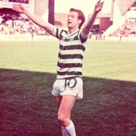 He was a man, a family man, a Calton man, a Celtic fan, he was adored, by everyone... #only1burnsandthatstommy http://t.co/oryagx2nz3