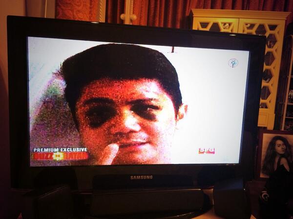 Watching now. Naiiyak ako. #PrayForVhongNavarro http://t.co/RAVuJXylPD