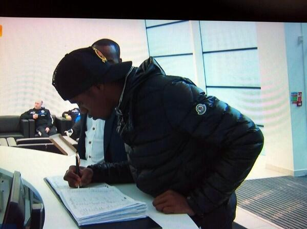 Man Uniteds Wilfried Zaha arrives at St. Georges Park ahead of his loan move to Cardiff [Pictures]