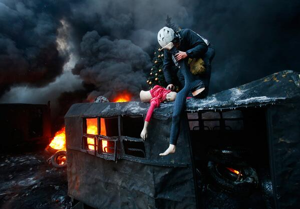 21 dramatic photos of political rioting in #Ukraine: http://t.co/gauon8FwwX #photojournalism http://t.co/2jBTziAkIc