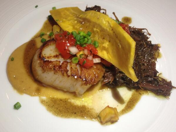Seared scallops, curried oxtail, plantains  @Blind_Pig_Ashvl http://t.co/zDqohPjyvT