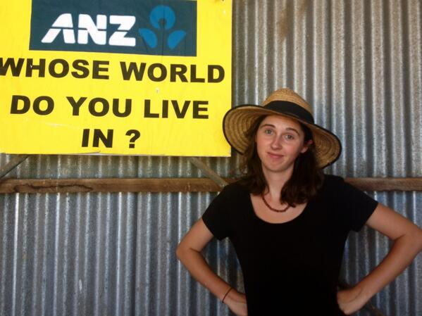 Thumbnail for Margo's live twitter report from #leardblockade Day 12
