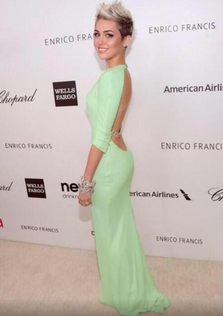 Miley tho.. http://t.co/P7Cm54UuIt