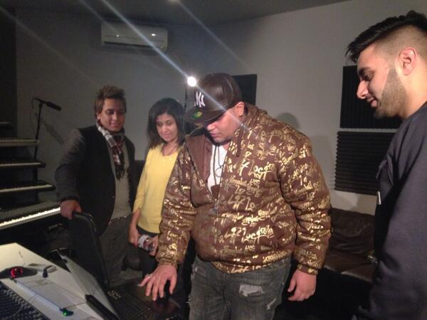 @FazeMiyake,Figo & Diesel doesn't speak same language ,they all speak music universal language #CairoCalling http://t.co/OWVSePXQzD