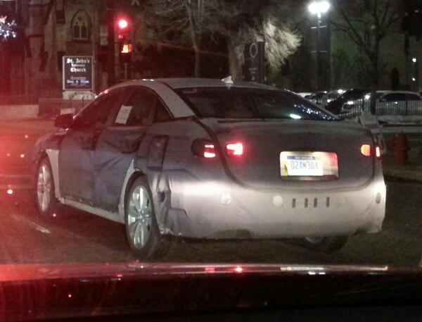 caught a camo'd #Hyundai #Sonata driving up #Woodward last night. can't see much but #spyshots are always exciting. http://t.co/X0uiicaQDX