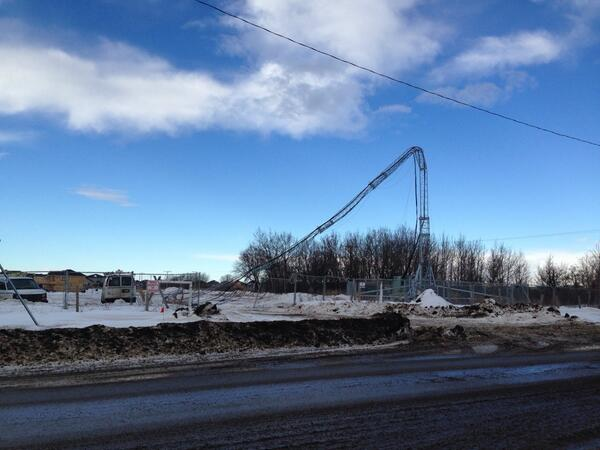 Cell tower blown down in Stonebridge #yxe http://t.co/gkkZrHh9nP