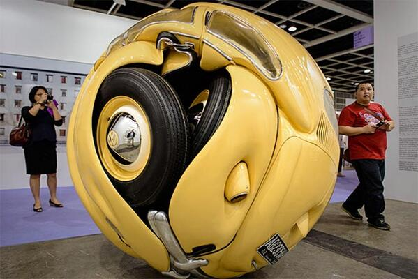 "Magnificent ""sculpture"" of bright yellow a 1953 #Volkswagen Beetle >> http://t.co/EkC0FdDV6h << http://t.co/QVRblVemLY"