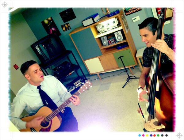 just a sensible on set 90's jam sesh with @darrencriss http://t.co/Nnnd4slR9q