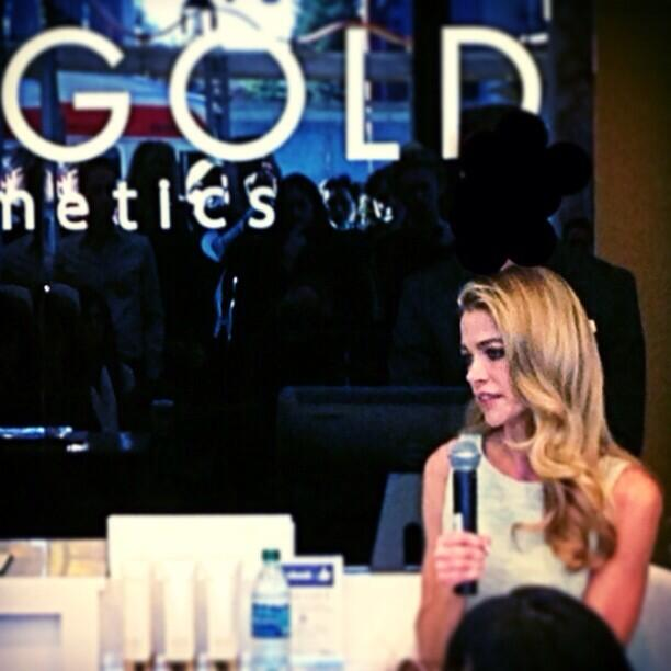 RT @RichardMarin: Press day w/ @DENISE_RICHARDS & @JOANNASCHLIP at the new #orogold store in #SanFrancisco http://t.co/0Gz4959Bvf