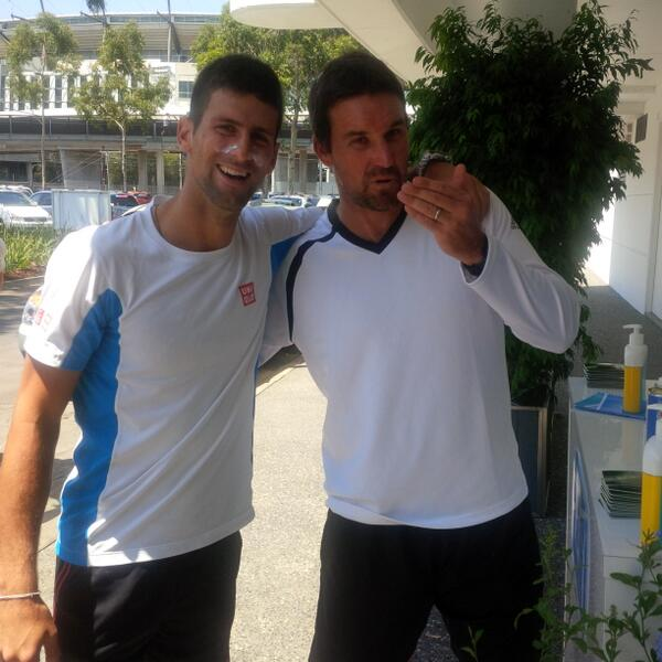 While everything around us is BURNING,Pat Rafter and I found some high protection sun cream. Protect yourself people! http://t.co/DMfInPX65c