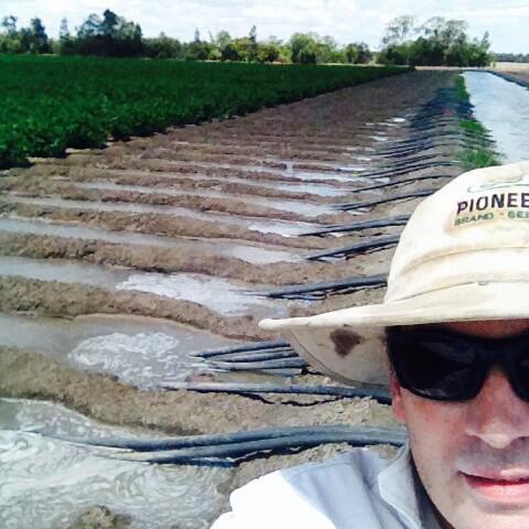 #felfie #irrigation #cotton #socialmediapressure! http://t.co/XoOz1rk7YY