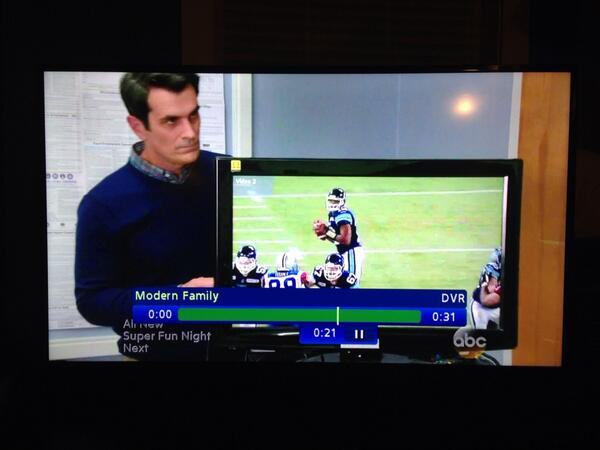 Apparently Phil Dunphy is a @CFL fan? I see ya Jarious! #ModernFamily http://t.co/RyvFPQ29d9