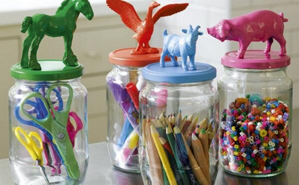 10 clever storage solutions for your child's toys. (#9: Pasta jars! Who knew?!) http://t.co/akPA0iFcQ7 @babymeetscity http://t.co/QzHLiraGpe