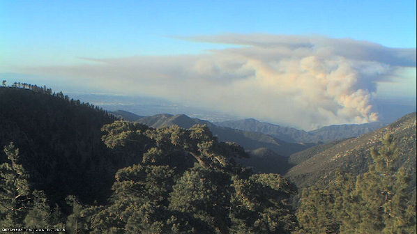 Colby fire near #Glendora as viewed by a web cam on Mt. Baldy. #Colbyfire http://t.co/4iXoPURv44