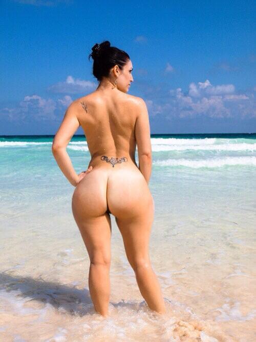 Девушки с большой грудью на пляже не фотошоп