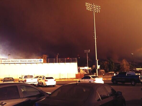 APU this morning...😳 soo scary! Prayers to all affected by the fire🙏 #ColbyFire http://t.co/RQhvOFh88e