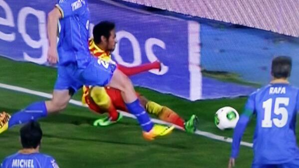 Neymars ankle twists as he loses balance while crossing, forced off injured