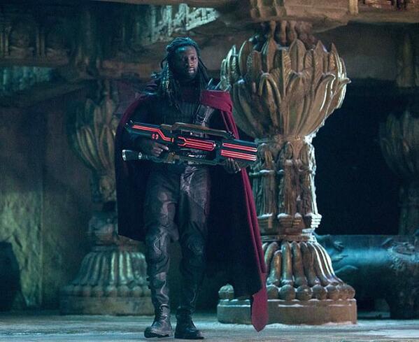 Omar Sy dans le prochain X-Men : son look enfin complètement dévoilé ! http://t.co/y1nARA7Ddw http://t.co/1n5tdO9kgg