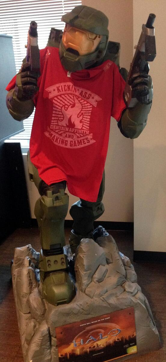 Follow & RT to win a CA Kickin' Ass shirt! These shirts are so soft that even UNSC Spartans like to wear them. #TGIF http://t.co/Q0T7JCjRw3