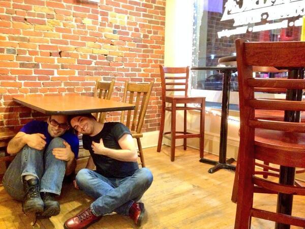 .@SimonSaysNH and @cronosfalling #Riccing at Arabica Coffee! #thisisathing http://t.co/XoqIC37CDG